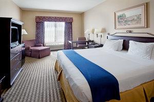 Room - Holiday Inn Express Hotel & Suites Marina