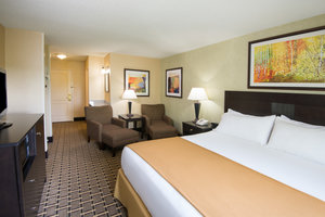 Room - Holiday Inn Express West Middlesex