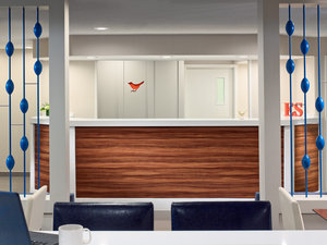 Lobby - Sonesta ES Suites Lombard