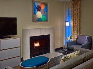 Suite - Sonesta ES Suites Lombard
