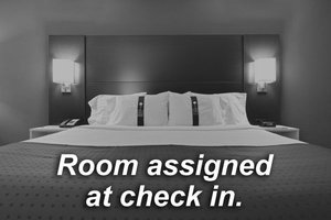 Room - Holiday Inn Express Hotel & Suites North Davenport