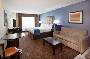 Suite - Holiday Inn Express Hotel & Suites North Davenport