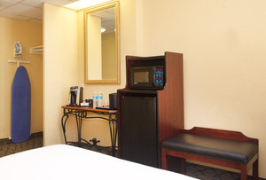 Room - Holiday Inn Hotel & Suites Downtown Chicago