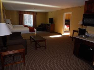 Suite - Holiday Inn Express Hotel & Suites Hazard