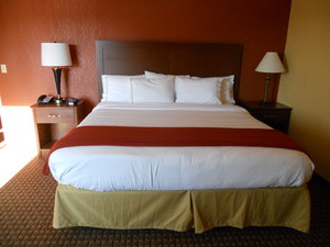 Room - Holiday Inn Express Hotel & Suites Hazard