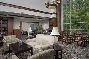 Lobby - Staybridge Suites North Brunswick