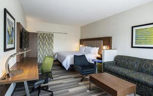 Suite - Holiday Inn Express Hotel & Suites East Kelowna