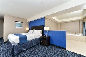 Suite - Holiday Inn Express Hotel & Suites Peekskill