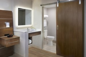 - Holiday Inn Express Downtown New Orleans