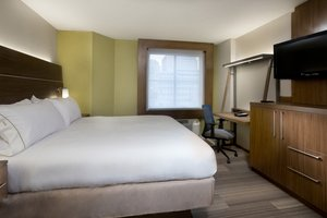 Room - Holiday Inn Express Downtown New Orleans