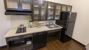 Room - Candlewood Suites Overland Park