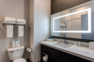 - Holiday Inn Express Hotel & Suites Gatesville