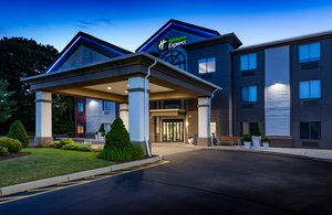 Exterior view - Holiday Inn Express Middletown