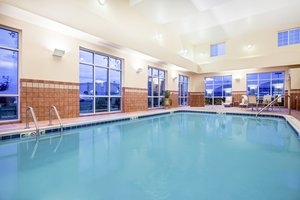 Pool - Candlewood Suites Cranberry Township