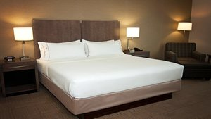 Room - Holiday Inn Express Hotel & Suites Northeast Wichita