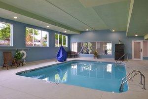 Pool - Holiday Inn Express Hotel & Suites East Ridge