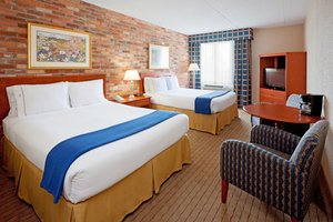 Room - Holiday Inn Express East Scarborough