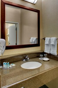- SpringHill Suites by Marriott Downtown Memphis