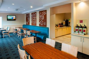 Restaurant - TownePlace Suites by Marriott Easton