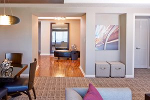 Suite - Renaissance Waverly Hotel Atlanta