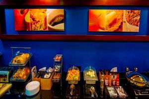 Restaurant - Fairfield Inn & Suites by Marriott Tulare