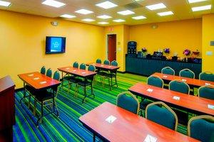 Meeting Facilities - Fairfield Inn & Suites by Marriott Tulare