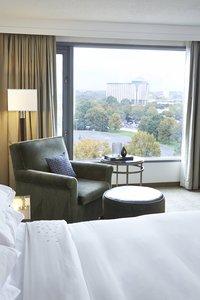 Renaissance Concourse Hotel Atlanta Ga See Discounts