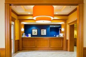 Lobby - Fairfield Inn by Marriott Oakville