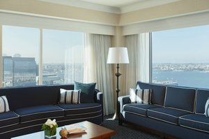 Suite - Renaissance Waterfront Hotel Boston