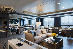 Bar - Renaissance Suites Chicago O'Hare Airport