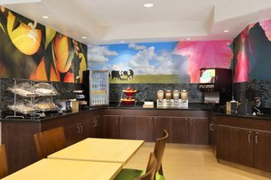Restaurant - Fairfield Inn by Marriott Colorado Springs