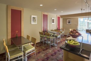 Restaurant - TownePlace Suites by Marriott Lakewood