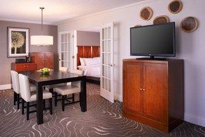 Suite - Marriott Detroit Metro Airport Hotel Romulus