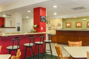 Lobby - Fairfield Inn by Marriott Erie