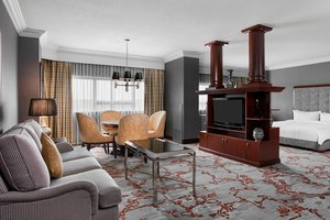 Suite - Marriott Glenpointe Hotel Teaneck