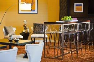 Bar - Renaissance Woodbridge Hotel Iselin