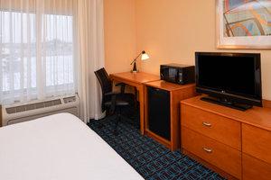 Room - Fairfield Inn & Suites by Marriott Fort Wayne