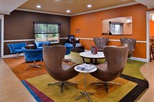 Lobby - Fairfield Inn by Marriott Hattiesburg