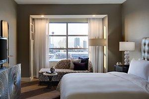 Suite - Renaissance Hotel Las Vegas