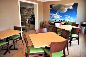Restaurant - Fairfield Inn by Marriott West Macon