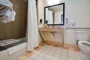 - Fairfield Inn & Suites by Marriott Clermont