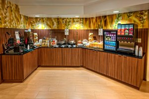 Restaurant - Fairfield Inn & Suites by Marriott Universal Studios Orlando