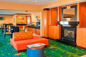 Lobby - Fairfield Inn by Marriott North Joliet