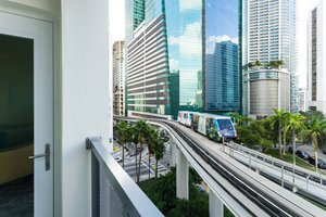 Suite - Courtyard by Marriott Plaza Hotel Miami