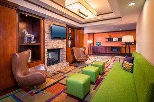 Lobby - Fairfield Inn & Suites by Marriott Williamsburg