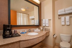 - Fairfield Inn & Suites by Marriott Williamsburg