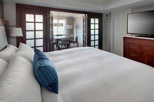 Suite - Marriott Hotel West Conshohocken