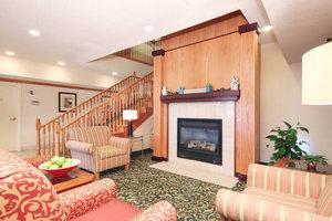 Lobby - Fairfield Inn & Suites by Marriott St Clairsville