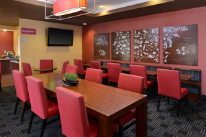 Restaurant - TownePlace Suites by Marriott Sacramento