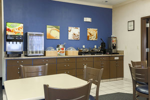 Restaurant - Fairfield Inn by Marriott Tracy